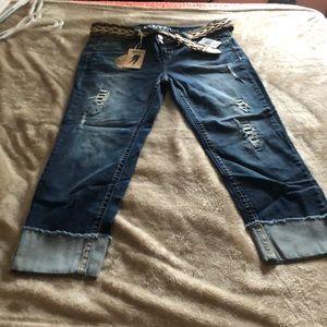 Wallflower ankle jeans